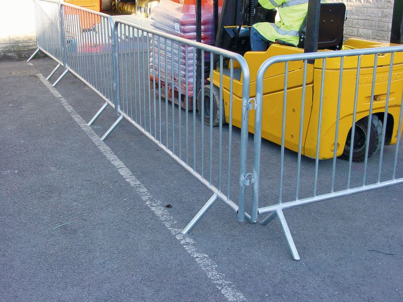 Lightweight Crowd Control Barrier