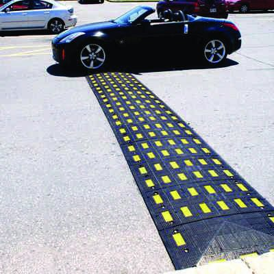 Safety Rider® V Rubber Mini Speed Hump