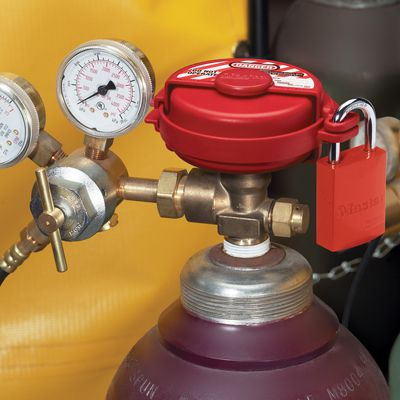 MasterLock® Pressurized Gas Valve Lockout S3910